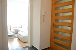 Palace District flat, Apartmanok  Budapest - big - 8