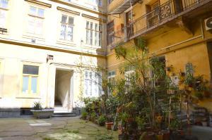 Palace District flat, Apartmanok  Budapest - big - 12