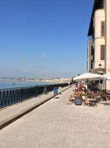 Appartamento Dammuso Ortigia, Ferienwohnungen  Syrakus - big - 56