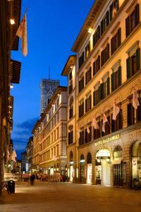 FH Hotel Calzaiuoli, Hotel  Firenze - big - 23