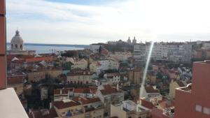 Lisbon Balcony Penthouse 15th Floor, Ferienwohnungen  Lissabon - big - 1