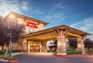 Hampton Inn and Suites Windsor-Sonoma Wine Country