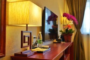 E Mei Impression Hotel