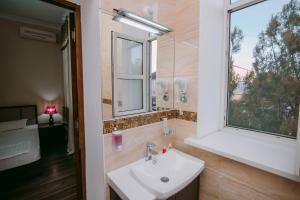 Hotel Inju, Penziony – hostince  Taraz - big - 6