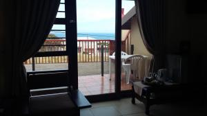 Suite with Sea View 5