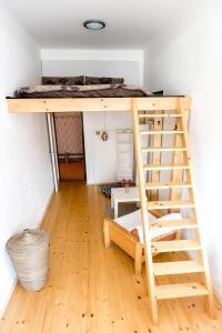 Cozy Room near Ostrava Center, Проживание в семье  Острава - big - 5