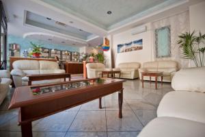 Hotel Acrux, Hotels  Gabicce Mare - big - 48