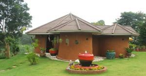 Baandin Huaiphung Resort