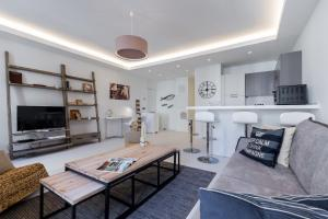 Riviera home - Dalpozzo Natacha, Apartmanok  Nizza - big - 1