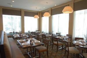 Hilton Garden Inn Charlotte/Concord, Hotels  Concord - big - 48
