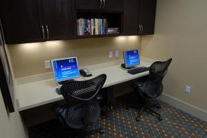 Hilton Garden Inn Charlotte/Concord, Hotels  Concord - big - 51