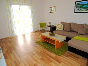 Apartment Nikolina, Apartmány  Malinska - big - 7
