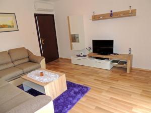 Apartment Nikolina, Apartmány  Malinska - big - 8
