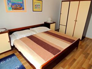 Apartment Nikolina, Apartmány  Malinska - big - 23