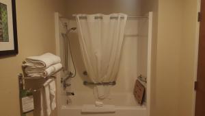 Quadruple Room with Bathtub - Disability Access/Non-Smoking