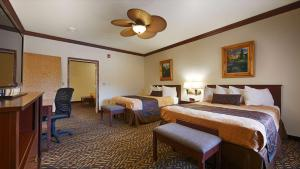 King Room with Two King Beds - Non-Smoking