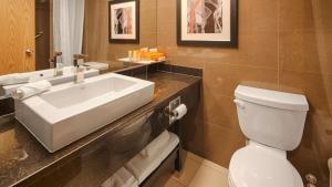 Best Western Plus Village Park Inn, Hotel  Calgary - big - 24