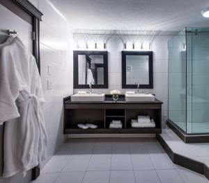 Best Western Plus Village Park Inn, Hotel  Calgary - big - 22