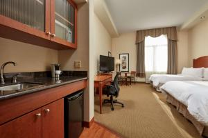 Quadruple Suite with Kitchenette - Non-Smoking