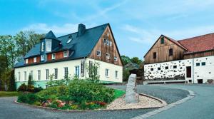 Landhotel Gutshof, Отели  Hartenstein - big - 26