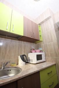 4 ApartsHotel Galati Faleza, Ferienwohnungen  Galaţi - big - 38