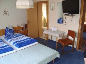 Beim Rudl, Bed & Breakfast  Ehrwald - big - 14
