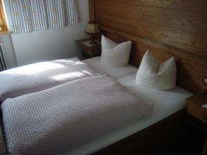 Beim Rudl, Bed and breakfasts  Ehrwald - big - 13