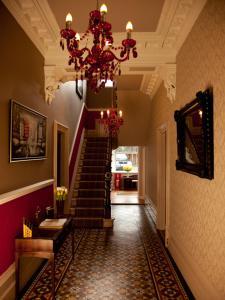 Barton Villa, Гостевые дома  Dukinfield - big - 17