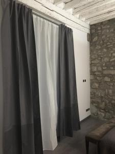 La Suite des Halles, Bed and breakfasts  Chambéry - big - 27