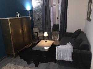 La Suite des Halles, Bed and breakfasts  Chambéry - big - 30
