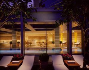 Four Seasons Shanghai Hotel at Puxi (35 of 65)