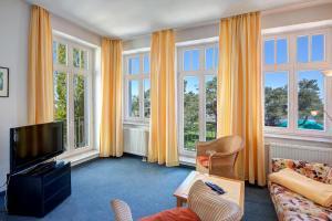 Haus Seeblick Hotel Garni & Ferienwohnungen, Hotely  Zinnowitz - big - 41