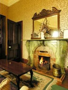 Ballinalacken Castle Country House Hotel, Отели  Дулин - big - 22