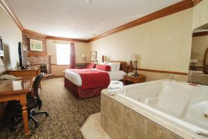 King Room with Whirlpool and Fireplace - Non-Smoking