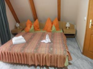 Kristály Apartman, Bed and Breakfasts  Hévíz - big - 26