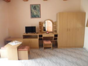 Kristály Apartman, Bed & Breakfast  Hévíz - big - 51