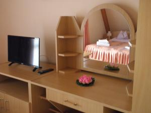 Kristály Apartman, Bed & Breakfast  Hévíz - big - 52