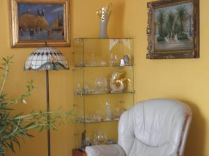 Kristály Apartman, Bed & Breakfast  Hévíz - big - 78