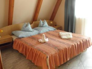 Kristály Apartman, Bed and Breakfasts  Hévíz - big - 95