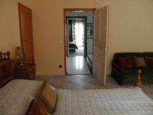 Kristály Apartman, Bed and Breakfasts  Hévíz - big - 99