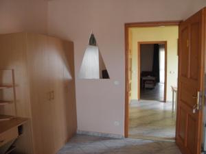 Kristály Apartman, Bed and Breakfasts  Hévíz - big - 112