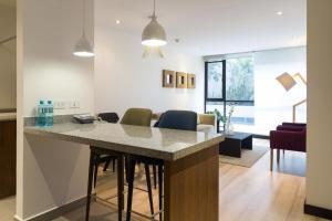 Suites Metropoli Bristol Park, Апартаменты  Кито - big - 57