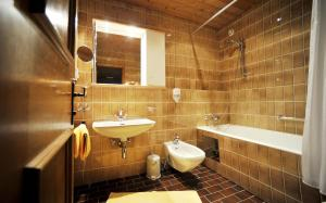 Thermal-Badhotel Kirchler, Hotels  Tux - big - 18