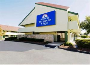 """Americas Best Value Inn Kansas City East - Independence"""