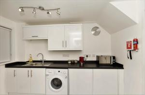 SSA - Atholl House Glasgow Airport, Apartments  Paisley - big - 3