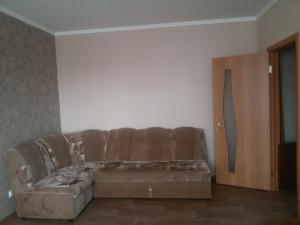 Apartment Elektronnaya 11