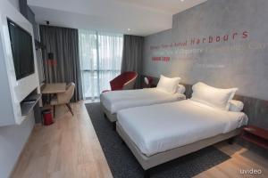 Улучшенный двухместный номер с 2 отдельными кроватями