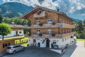 Hotel-Pension Heike - Kitzbühel