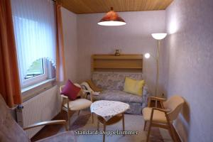Pension Haus Linden, Penziony  Winterberg - big - 17