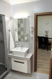 Apartament Dany, Апартаменты  Сибиу - big - 9